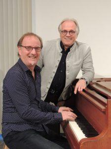 Andreas Malessa und Uli Schweiger am Klavier.
