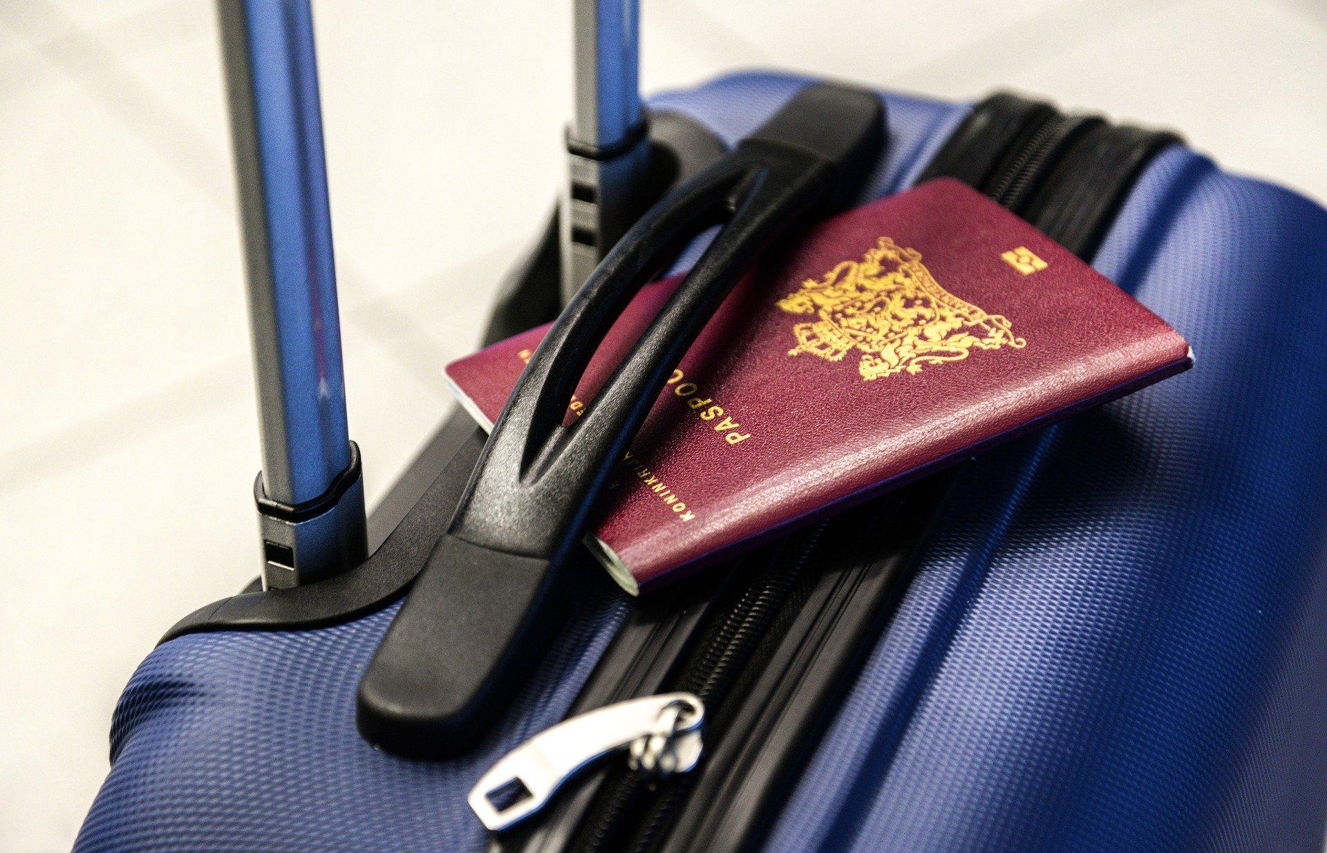 passport-2733068_1920_Skitterphoto